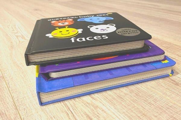 赤ちゃんのしかけ絵本3冊セット厚み