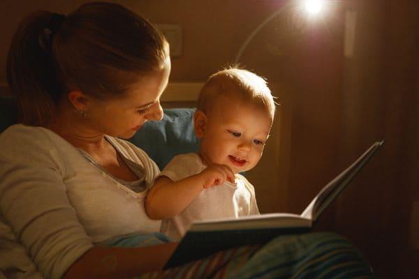 赤ちゃんへの読み聞かせ