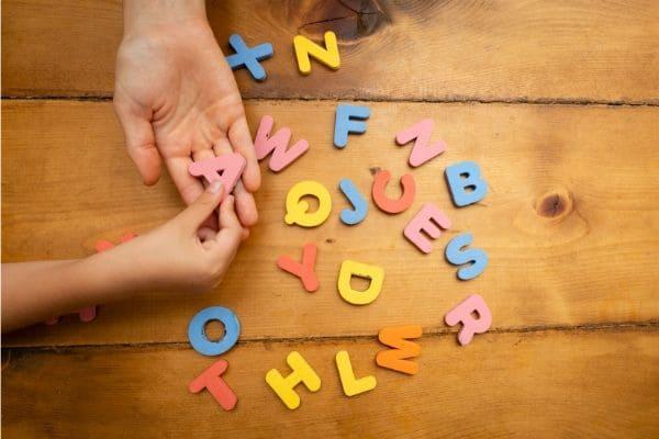 子供の英語を親が英語を話せない状態でも成功させる秘訣