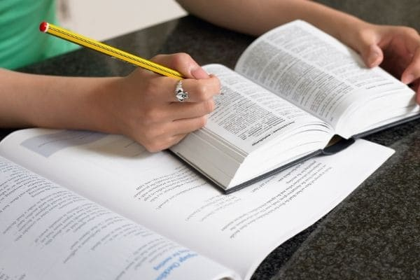 ケンブリッジ英検C1 Advanced(CAE)文法&語彙(Use of English)の対策と傾向