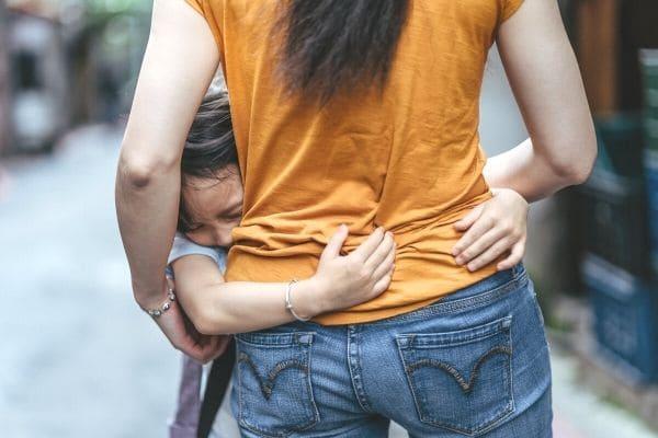 ちゃんと泣ける子に育てよう|親には子どもの感情を育てる義務がある 子どもは安全を感じていなければ傷ついた感情を出せない