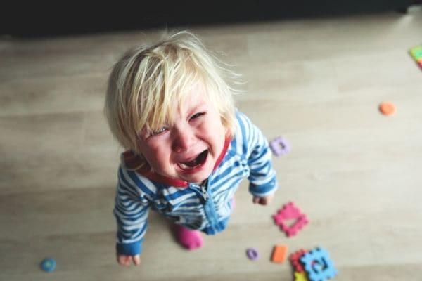 ちゃんと泣ける子に育てよう|親には子どもの感情を育てる義務がある どうして子どもの泣き声を聴くとイライラする?