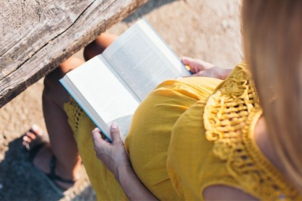 妊娠中に読んでよかった本まとめ